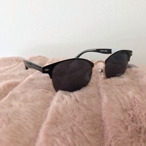 Accessories - Retro Copacabana Sunglasses Black Rose Gold (7-18)